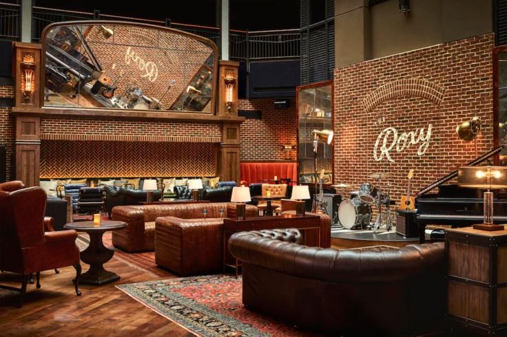 Roxy-Lounge-1024x696-1200x800-c-default